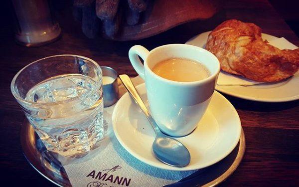 Kaffee: sowohl Inspiration als auch Irritation. Theatercafé Bregenz