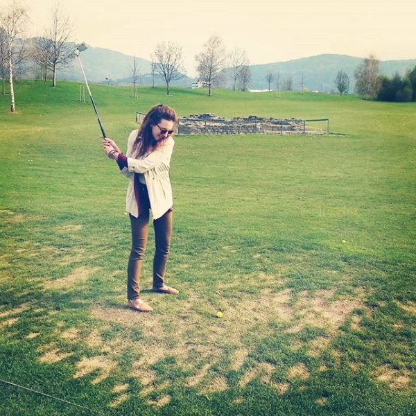 keep calm and play golf . #firsttimegolfing #😂 #🙈 #hadsomuchfun #trysomethingnew #sunday #sun ...