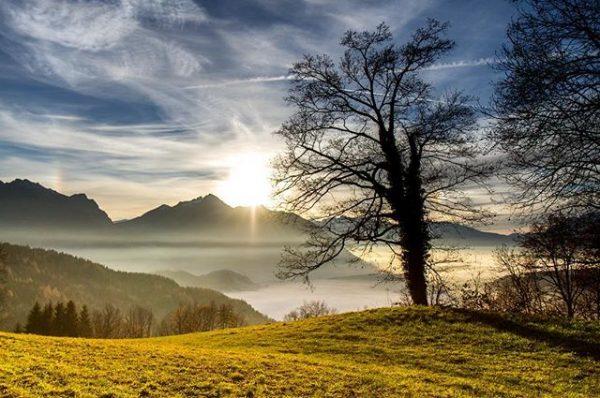 #photography #mountainlove #sunset #walk #wolken #feldkirch #vorarlberg #ausria #farbenspiel #canon7d #myaustria #trees #nofilter ...