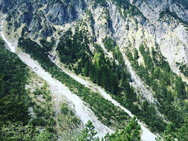 First hike for this season with sunshine @grosses_walsertal #visitvorarlberg #hikingadventures #nature Alpengasthof Bad ...