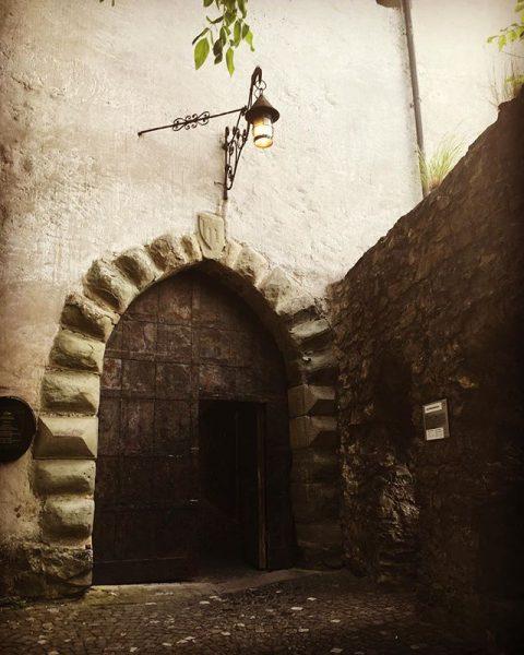 沙騰堡(schattenburg) 。 #費爾德基希 #feldkirch #beautiful #旅行 #castle #street #快晴#city #art #都市 #芸術#観光 #建築 #sunnyday #歴史 #austria #travelphotography...