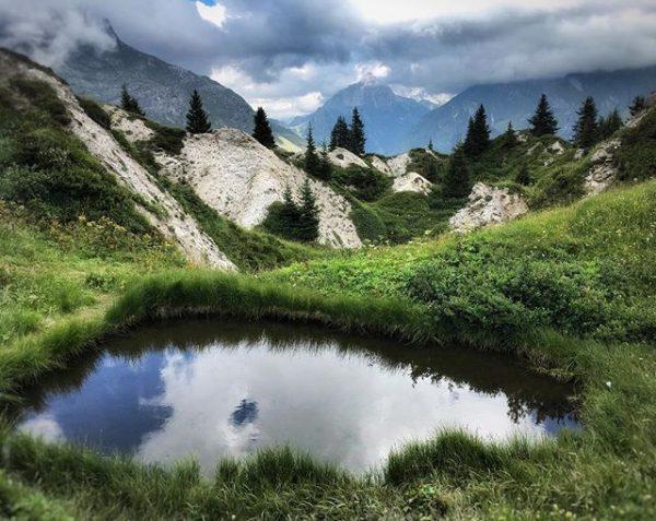 #gipslöcher #naturschutzgebiet #efe_nature_or_nothing #rsa_rural #livinginthealps #mylechzuers #meinvorarlberg #vorarlbergwandern #visitvorarlberg #visitaustria #bergwelten #bns_earth #loves_austria ...
