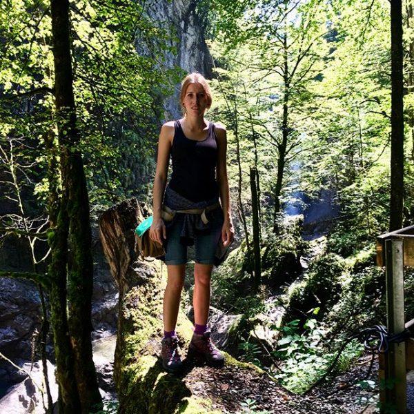 Rappenlochschlucht 🌲⛰☀️ #sonnenschein #natur #nature #wanderlust #laufen #vorarlberg #rappenlochschlucht #salomon #fit #grünsogrün #staufenseestausee ...