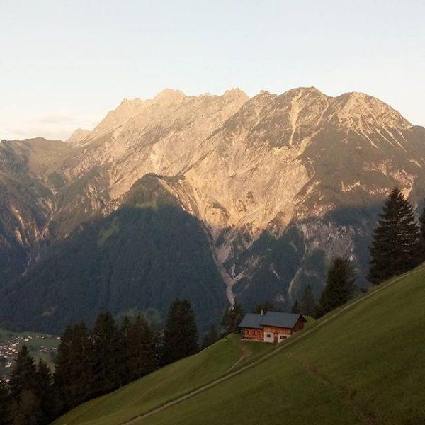 #montafon #vorarlbergwandern #morgen #berge #meinmontafon Sankt Anton im Montafon
