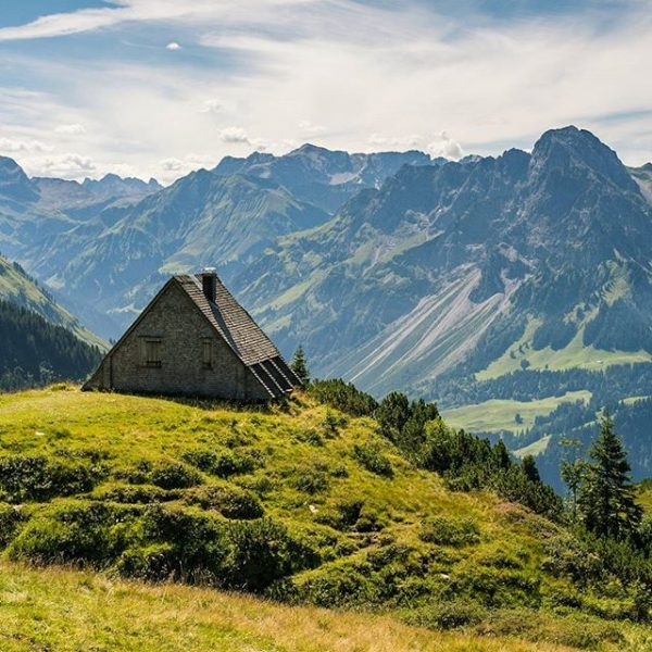 One more shot from the Austrian Alps. We came across this lovely hut ...
