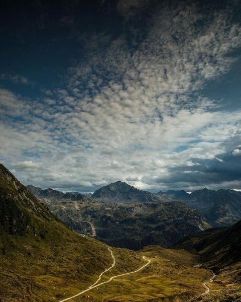 Blick von der Verbella Alpe! ◼️◼️◼️◼️◼️◼️◼️◼️◼️◼️◼️◼️◼️◼️ #earthofficial #beautifuldestinations #visitaustria #visitvorarlberg #ig_worldphoto #nakedplanet #ourplanetdaily ...