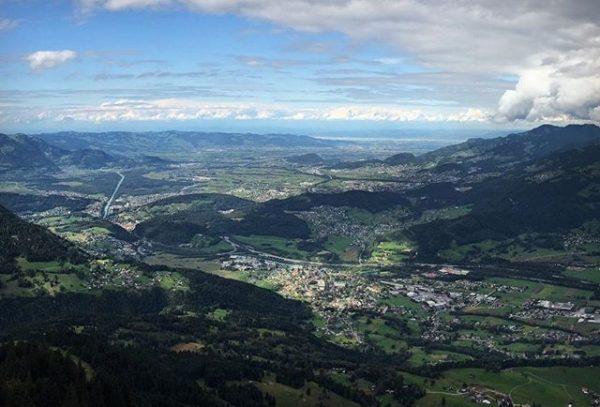 #ländle ⛰ // #gurtisspitze #rheintal #walgau #bodensee #vorarlberg #schweizerberge #mountains #mountain #mountainlove #homeiswherethemountainsare ...