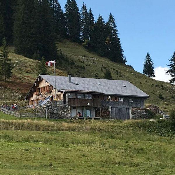 Ziel fast erreicht: Die #burglhütte #hörnerdörfer #balderschwang #allgäu Vorarlberg