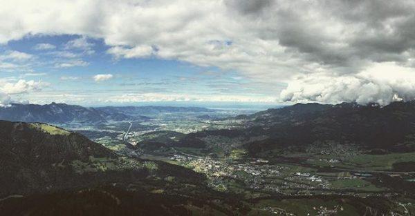 #heimat ☀️💚 // #home #vorarlberg #walgau #rheintal #bodensee #schweiz #austria #visitvorarlberg #gurtisspitze #outdoors ...