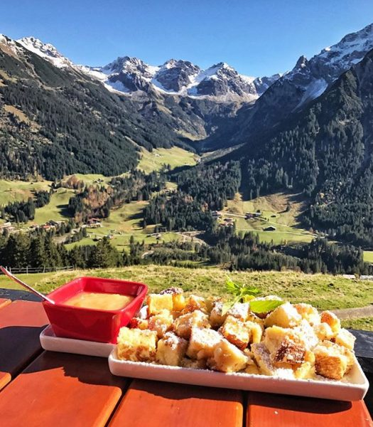 Austrian Kaiserschmarrn with view🏔🇦🇹 Sonna-Alp Zafernalift