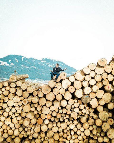Holza 🌲✂️🤷🏼♂️ #workingonsomethingnew #droneselfie #drone #dji #phantom4 #mavicpro #woods #cuttrees #austria #vorarlberg Amerlügen, ...