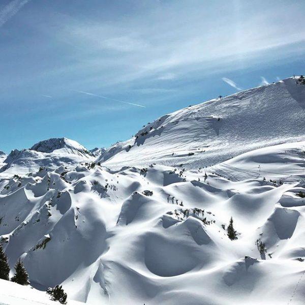 Die Gipslöcher. Naturschauspiel. #auroralech #lech #winter #skiing #perfektday #bestofthealps #visitvorarlberg Lech, Vorarlberg, Austria