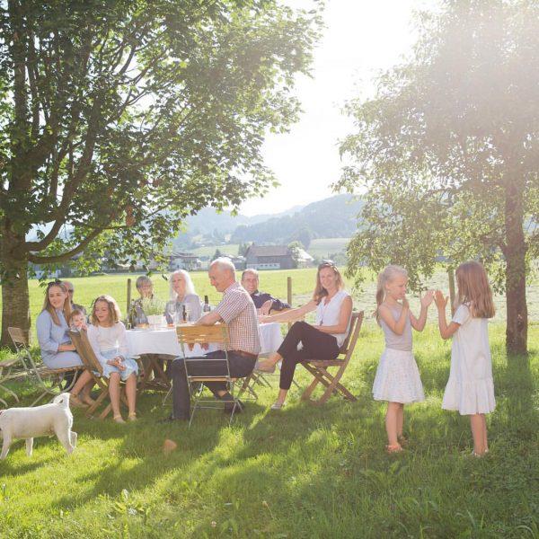 Wie war dein Wochenende? #schtubat #weekendmood #outdoor #landscape #nature #gettogether #enjoylife #andelsbuch #bregenzerwald #visitvorarlberg #visitaustria #family #apartments...