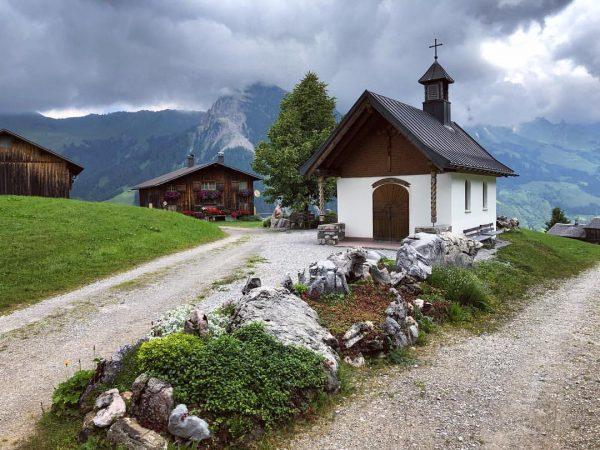 Schnell noch auf dem Hausberg vorbeigeschaut. #sonntag #sonntagstein #glattmar #küngswald #buchboden #voralberg #österreich ...