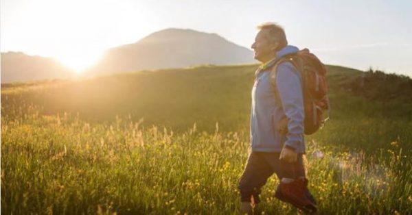 Erleben Sie die erwachende Natur beim meditativen Morgenspaziergang in Gargellen. Die morgendliche Frische ...