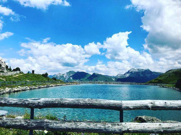 Adoro questo posto 🤷🏻♂️ #Austria #Osterreich #Kriegeralpe #Lech #Trekking #Lake #Panorama #View #Sky ...