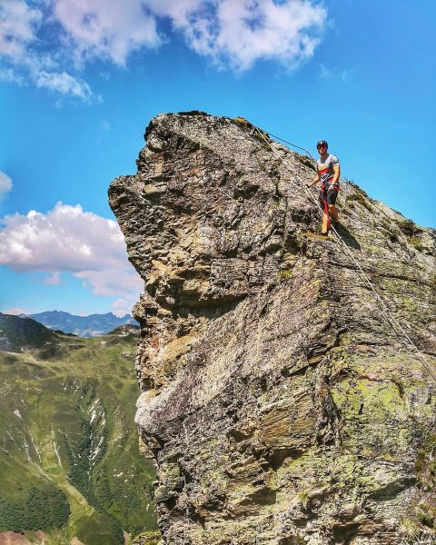 Massive Rocks .... Montafon Valley looks awesome 👉📸 @spaalpenrose Schruns