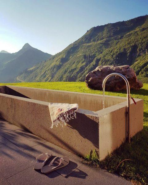Klares Bergquellwasser aus Damüls, eine erfrischende Abkühlung! ☀️ #nature #freshwater #mountains #naturelover #abkühlung ...