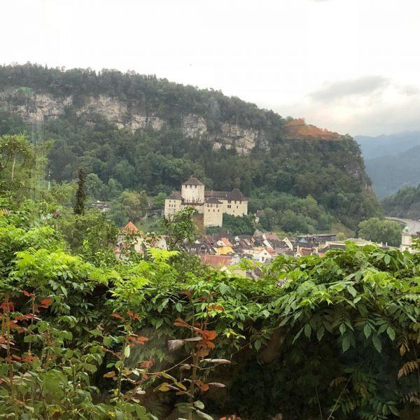 Sensationeller Blick auf die Schattenburg von der Villa Müller aus #feldkirch #villamüller #hotel ...