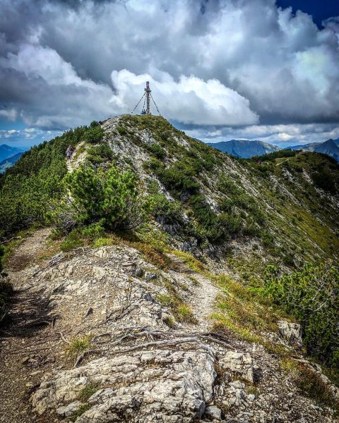 Some more vibes of my hiking trail to the Hoher Frassen in August⛰💪🏻• ...