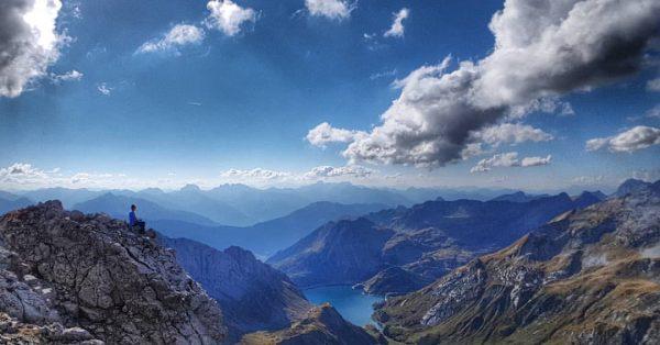 Living in Paradise 💕 #vorarlberg #heimat #home #berge #wandern #gluecksmomente #hiking #naturephotography #naturfotografie #bergsteigen #mountainlove Roggalspitze
