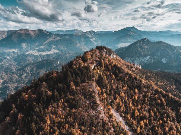 Staufenspitze⛰ #austria #vorarlberg #dornbirn #meinvorarlberg #homeland #landscaphunter #dji #djimavicair #landscape #landscapephotography #hiking #erthpix #amazing #photography #photooftheday #photographer...