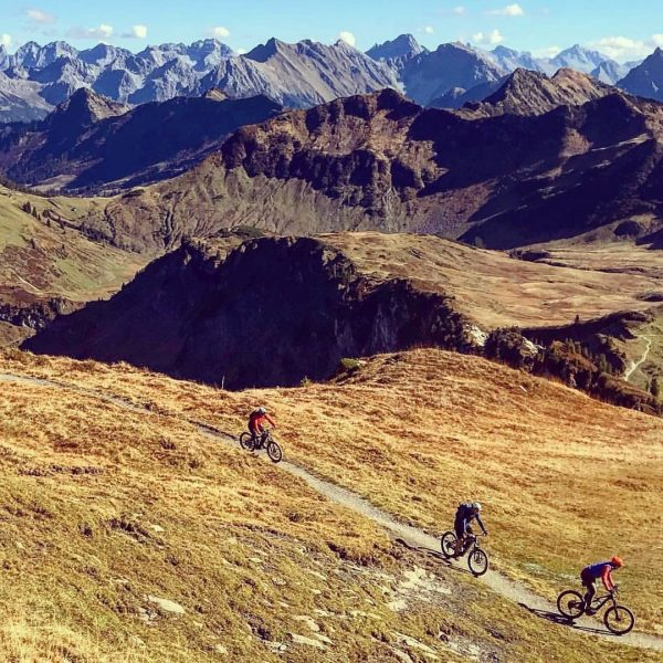 Bregenzerwald ❤️ 📸by @diebikeschulebregenzerwald #bregenzerwald #visitvorarlberg #lifeisbetterinthemountains #nature #mountainlover #roessleau #adlerroessle #adlerau #mtbhotels ...