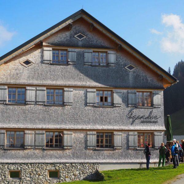Allein wegen der #Käsknöpfli lohnt sich ein Ausflug nach #Schönenbach schon. #Bezau #Bizau ...