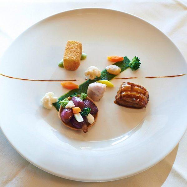Wir gratulieren!🍾👨🍳 Unser Küchenchef Sebastian Daeche und sein Team wurden im Gault Millau ...