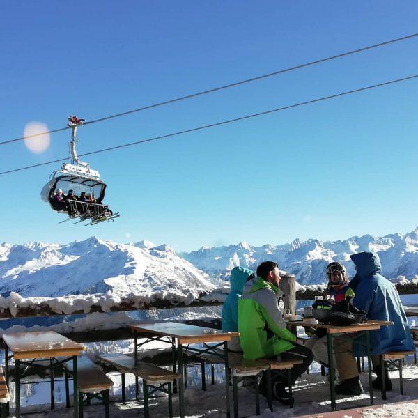 Skitag😊 #first #skiday #silvrettamontafon #skiing🎿 #snow #bergpanorama #bergwelten #bluesky💙 #meinmontafon #austria🇦🇹 #loveit #hotelbergerhof ...