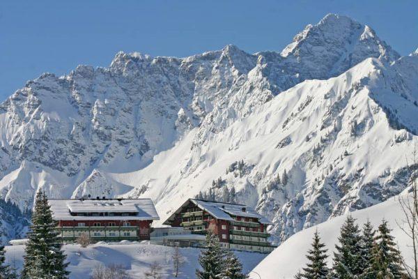 ❄✨Das Haller's Geniesserhotel, mit seinem privilegierten Logenplatz im Kleinwalsertal, ist ein Platz für ...