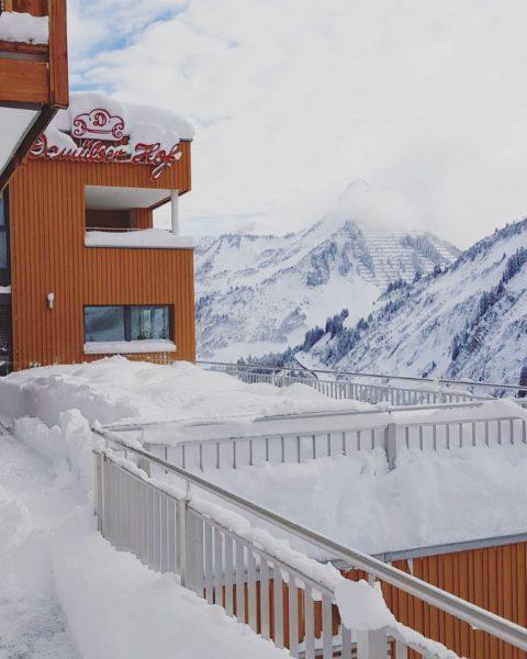 Der Winter ist nun wirklich angekommen! ❄️😍 #winter #snow #schnee #scheereich #holiday #ski ...