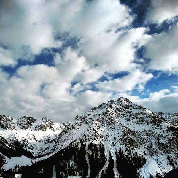 #kleinwalsertal #vorarlberg #austria #allgäu #wintertraum #alpen #alps #mountainworld #bergwelt #zweiteheimat #whereyourheartbeats #visitvorarlberg #alpensucht ...