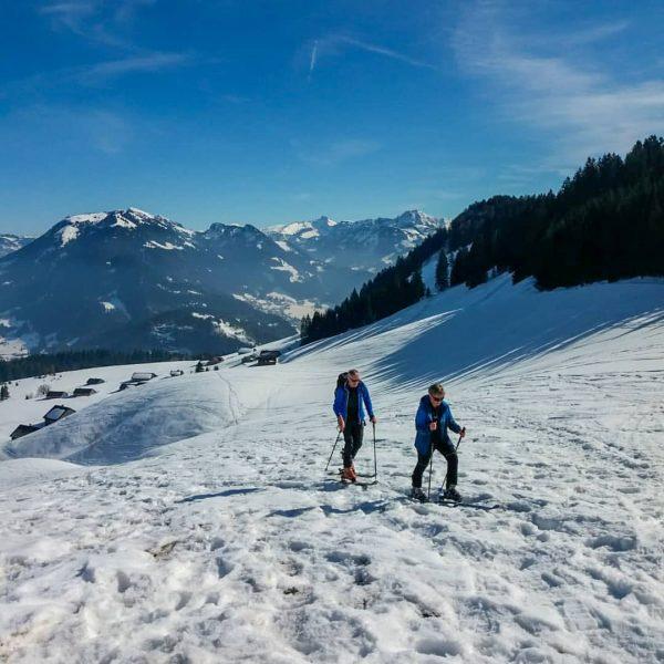 ☀️🗻⛷ • #berghofbezau #bregenzerwald #vorarlberg #österreich #austria #visitbregenzerwald #visitvorarlberg #visitaustria #urlaubindenbergen #urlaub #freizeit ...