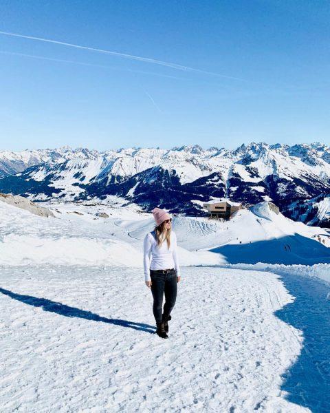 🏔 #ifen #hahnenköpfle #gottesackerplateau #schneespaziergang #kleinwalsertal #vorarlberg #bergpanorama #oberstdorf #schneelandschaft #strahlendblauerhimmel #sonnenschein #snow ...