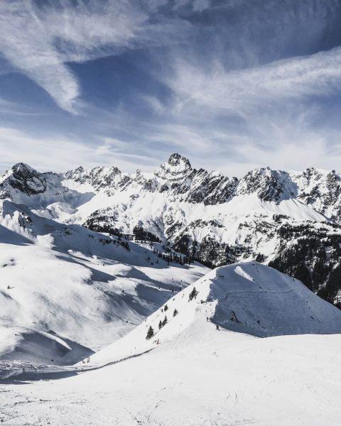 Going to the mountains is going home. 🏔 [John Muir]⠀⠀⠀⠀⠀⠀⠀⠀⠀ #zimba #wintermountain #bergliebe #landscape #outdoors #naturelovers #bergliebe...