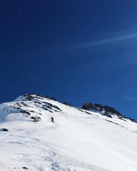 Way to the top 🔝 . . . . #sportalp #lech #arlberg #winter #ski #snowboarding #sport #powder...