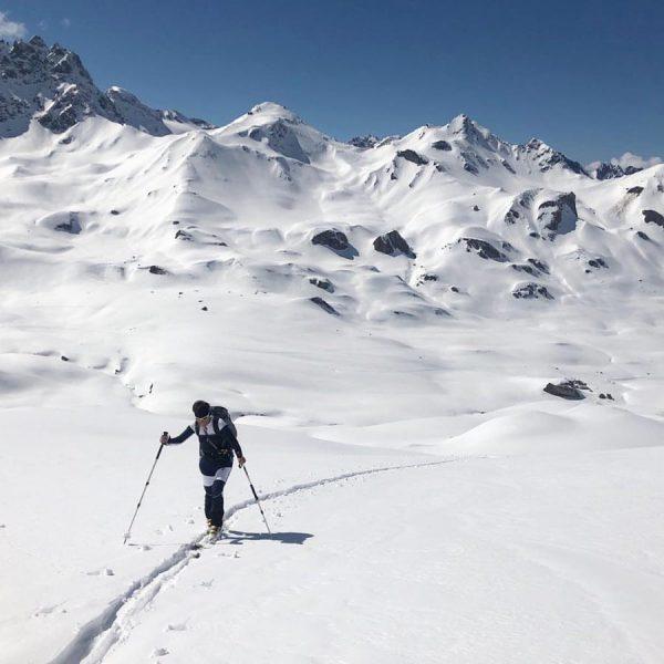 2.264m | 🎿 . Vergangenes Wochenende zu Besuch bei Loisl auf der @heidelbergerhuette ...