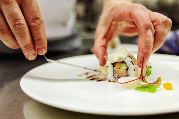 😋 #restaurantmangold #vorarlberg #bodensee #lochau #daslebenlieben #jre #culinarylife #culinary #daskulinarischeerbederalpen #food #foodstagram #foodporn #matakstudios #kitchenaction #dowhatyoulove #gaultmillau...