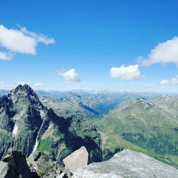 Vorfreude. #scheibler #patteriol #tirol #vorarlberg #arlberg #darmstädterhütte #konstanzerhütte #bergsteigen #bergwelten #bergliebe #bergwandern #hiking ...