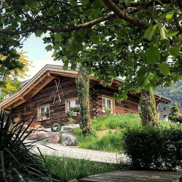 #dreamchalet 🏡❤️ #chalet_alpentraum_bludenz #tinyhousetravel #reiseblogger_at #igersaustria #travelblogger #chaletgram #instachalet #travelgram #traveltips #chaletchic #chaletstyle ...