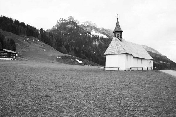 o.T. Exkursion mit @steidle_architekten #Schönenbach #Landschaft #architektur #BregenzerWald #architecture #beauty #bw #sw #architecturephotography ...