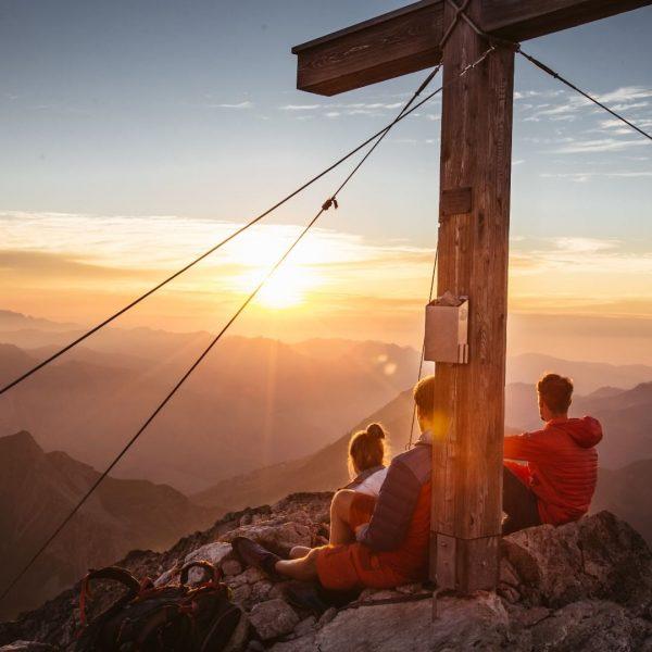 Wir warten sehnsüchtig auf den Sommer. 😍 Und auf sensationelle Sonnenaufgangstouren auf den ...
