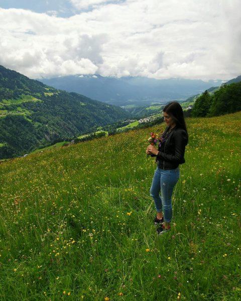 #blumenwiese #alleszertrampelt #kindheitserinnerung #schönsteberge #vorarlberg #opasheimatsort #blons 💐 ⛰ Blons, Vorarlberg, Austria