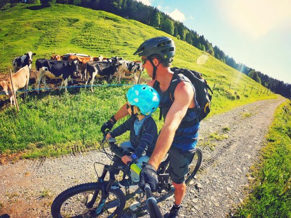 The boys on tour...Netschelweg/Bädle #monsroyale #oakley #visitvorarlberg #macride #nature #exploring #laternsertal #austria #santacruzbikes ...