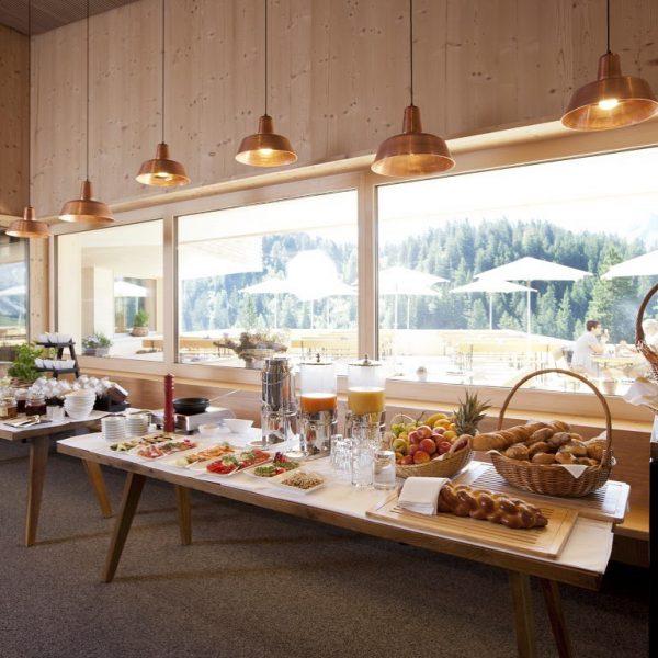 Frühstücken inmitten der Berge ⛰🌄 des Rätikongebirges im Brandnertal - ein kulinarisches Erlebnis. ...