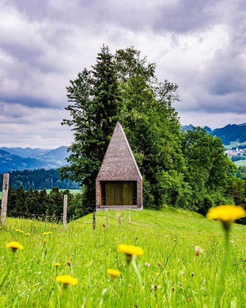 Kapelle Salgenreute Die Kapelle Salgenreute liegt auf einem sanften Rücken nahe Krumbach im ...