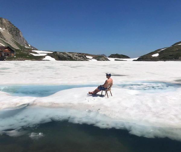Today's Sunday Sunbathing at still frozen Zürser See - Vorarlberg 🇦🇹 After that ...