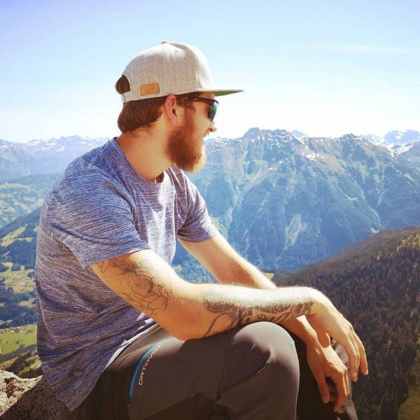 #bluesky #beard #genuss #gemütlich #hawkers #happyme #huaweip20pro #hike #hashtag #indiebergbinigern #klettermax #krxln #meinvorarlberg ...