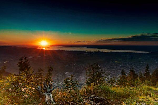 Sonnenuntergang überm Bodensee - Farbenspiel Deluxe ______________ #staufenspitze #dornbirn #bodensee #vorarlberg #wandern #outdoor #alpen #berge #bergpic #unlimitedalps...